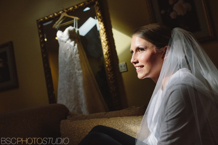 Brookfield Connecticut documentary wedding photographer Candlewood Inn photojournalism bride portrait