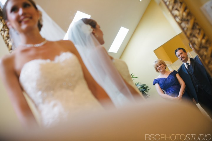 Brookfield Connecticut documentary wedding photographer Candlewood Inn