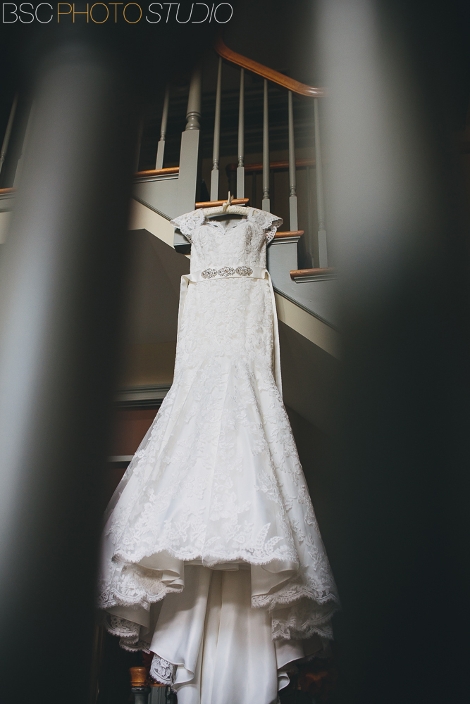 Connecticut modern wedding documentary wedding dress photographer